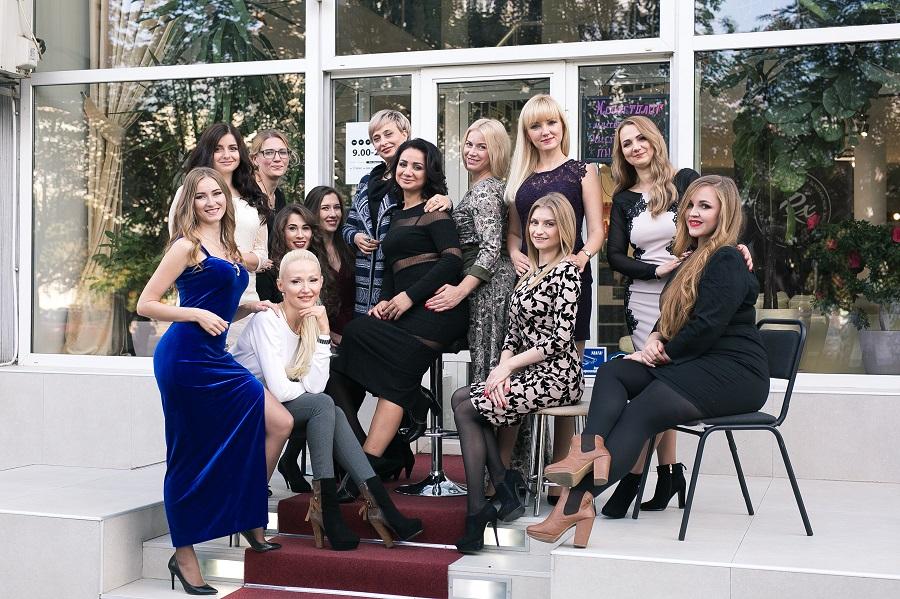 Антонина Слюсарчук, команда салона красоты, парикмахер, мастер маникюра, подолог, косметолог, администратор, бровист, визажист. лашмейкер, Релакс Сумы